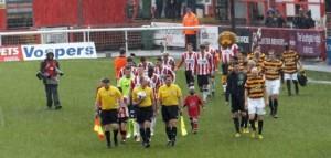referee_ECFC_Bradford_feat