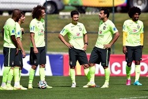 brazil_players_training